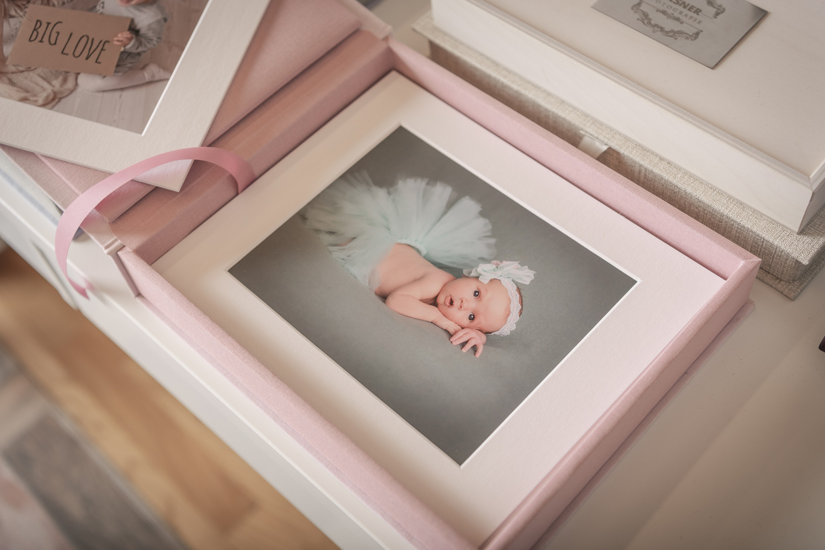 ElsnerFotografie_Alben_Hochzeit_Newborn_