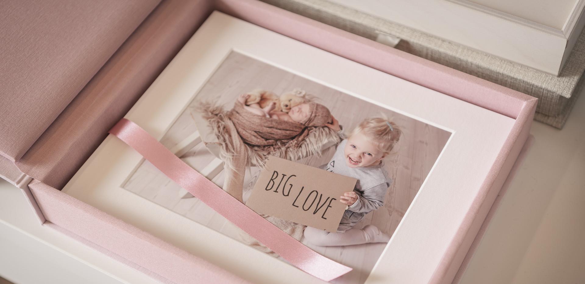 ElsnerFotografie_Alben_Hochzeit_Newborn.