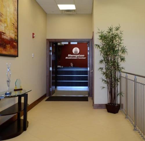 Entrance to Reception Area & Greeting Desk in Pembroke Pines, FL