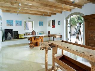 Арт-галерея в отеле St. Nicolas Bay Resort Hotel & Villas поддерживает молодых греческих художни