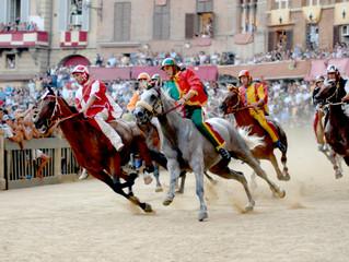 Отель Rosewood Castiglion del Bosco приглашает на праздник Сиенское Палио в Италию