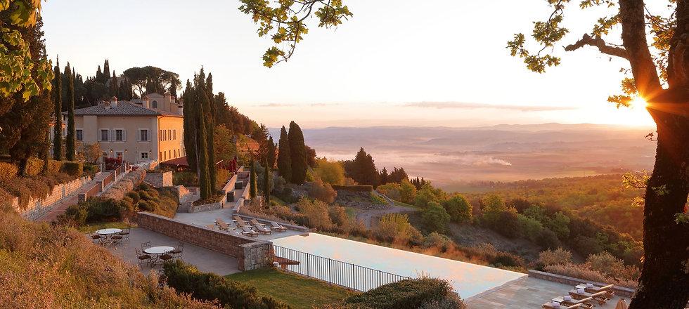 RWCdB - Il Borgo with Pool at Sunrise.jp