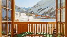 Открытие отеля Airelles Val d'Isère и ресторана LOULOU в центре горнолыжного курорта Валь д'Изер