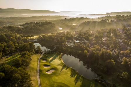 Восстановление леса и экологичные способы ухода за территорией курорта Terre Blanche, Франция