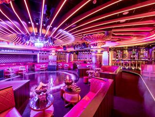 Вечеринки в самом известном клубе Лазурного Берега – Les Caves du Roy в отеле Byblos Saint-Tropez