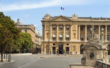 Пляжная терраса в карибском стиле в центре Парижа открылась в Hôtel de Crillon, A Rosewood Hotel