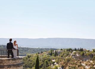 Свадьба с видом на долину Люберон в отеле La Bastide de Gordes, Горд, Франция