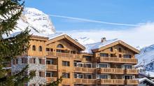 Назначение нового генерального директора Этьена Петипе в отеле Airelles Val d'Isère, Mademoiselle