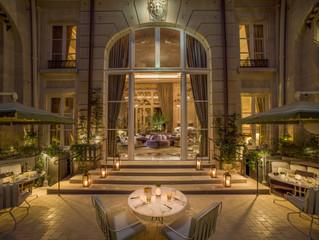 Три летние террасы открываются в одном из самых известных отелей-паласов Парижа