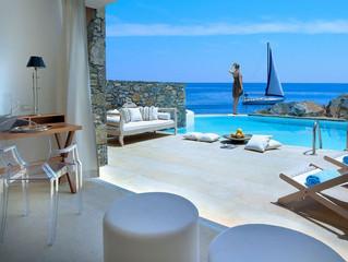 Перезагрузиться с видом на залив Мирабелло в роскошных Thalassa Villas отеля St. Nicolas Bay