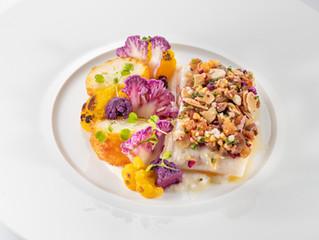 Шеф-повар Terre Blanche Hotel Spa Golf Resort делится рецептом запеченного хека с цветной капустой