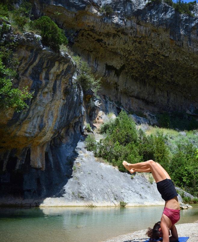 Yoga en el río