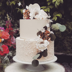 custom wedding cake