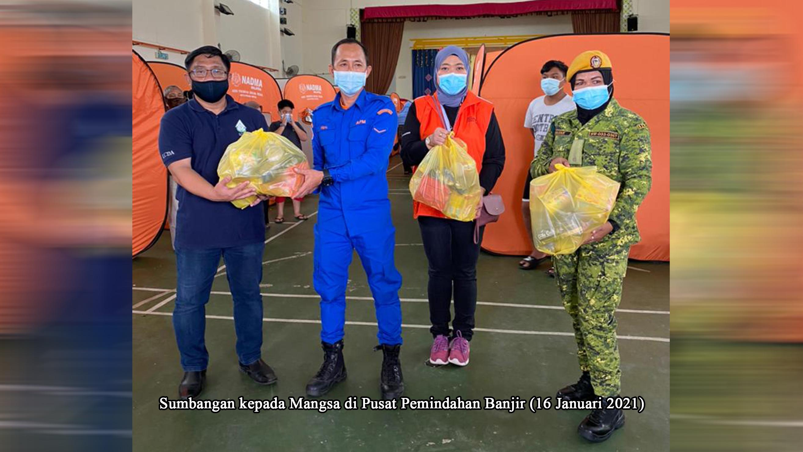022 Sumbangan kepada Mangsa di Pusat Pem
