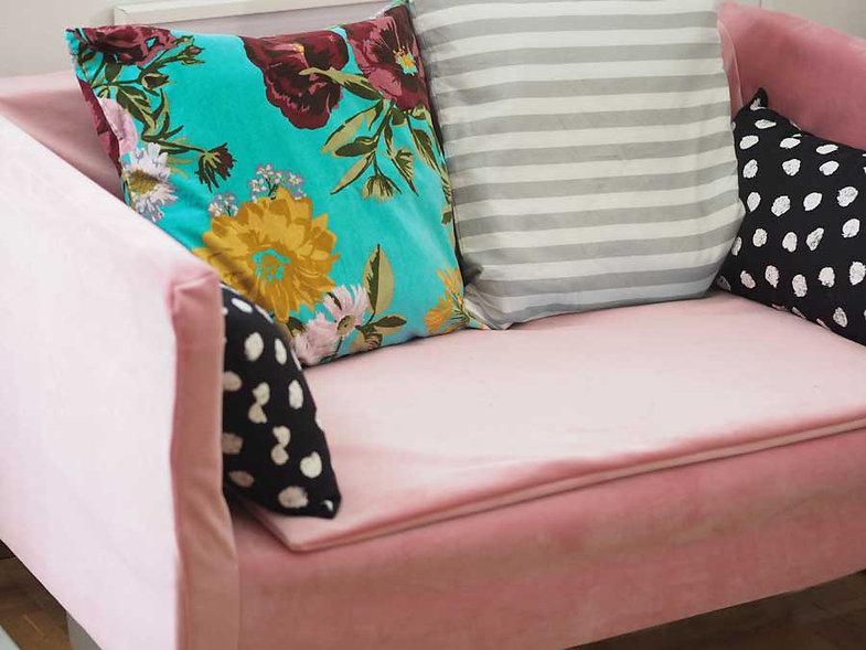 sofa_pink.jpg