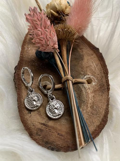 Zilveren musthave coin oorbellen