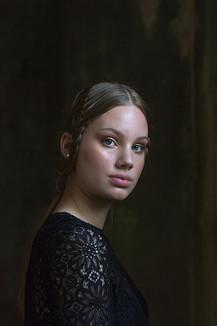 Model: Julia via A&P Models Visagie: Hanan Chadid