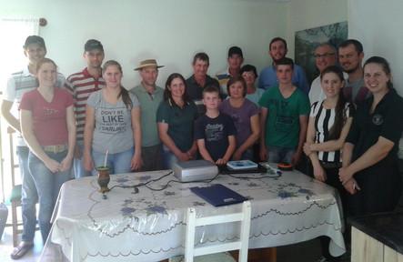 Associados da Cotrirosa são orientados sobre reprodução em bovinos leiteiros