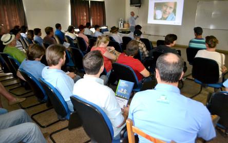 Associados da Languiru participam de palestra sobre Mastite