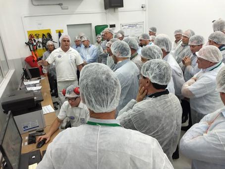 Dirigentes de cooperativas gaúchas realizam roteiro técnico no Paraná