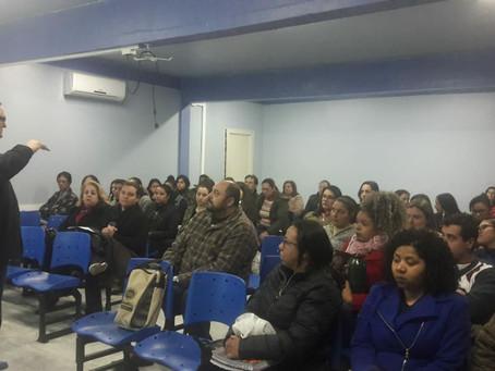 Perfil profissional é foco de palestras nas escolas técnicas agrícolas