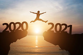 man-jumps-from-year-2020-2021-with-sunli