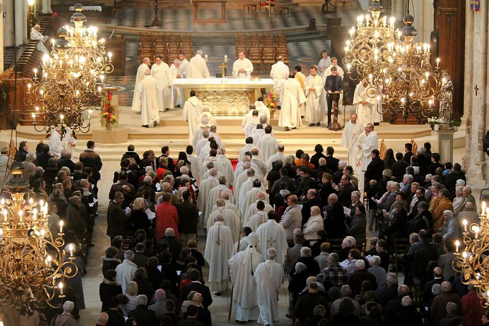 Procession d'entrée messe pontificale