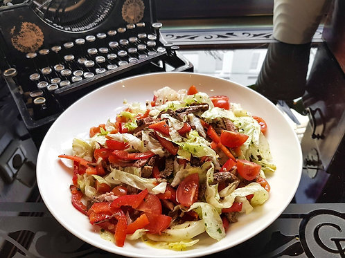 Салат с ростбифом и черри томатами