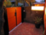 門扉と大谷石