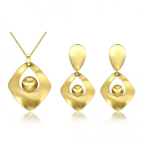 Judy 18k Gold Plated Necklace and Earrings Set