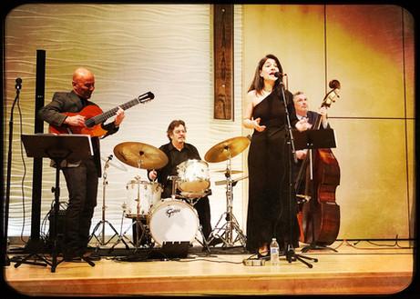 With Martin Pizzarelli feat. Maucha Adnet & Duduka da Fonseca