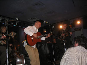 Int'l Fingerstle Guitar Champion Mark Sganga performing with Les Paul at the Iridium in New York City