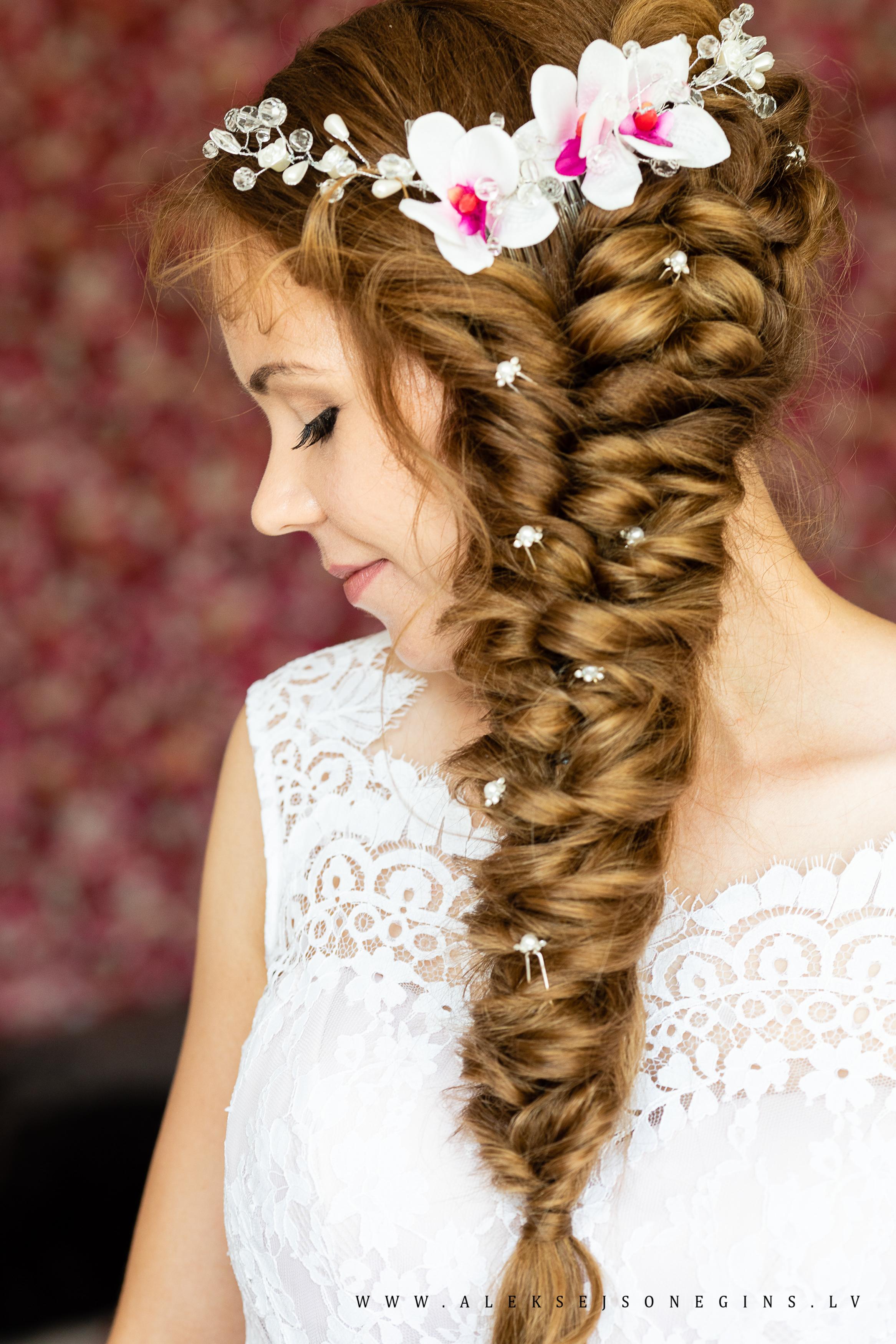 Līgavas matu sakārtojums