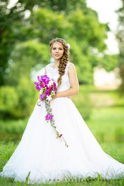 Līgavas_kleita_dabā