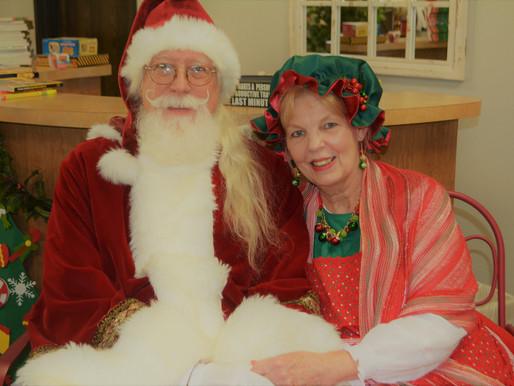 Santa & Mrs. Claus comes for a visit