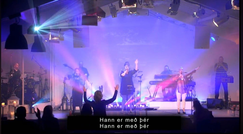 worship smarakirkja.jpg