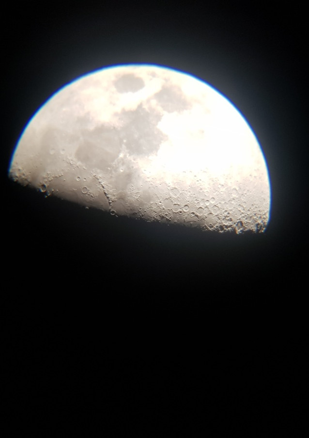 Moon 17th Nov_edited.jpg