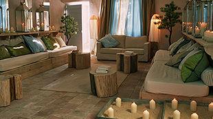 Le Comptoir Saint-Hilaire et ses hôtes auront le plaisir de vous accueillir et de vous réserver un séjour à la mesure de vos attentes...