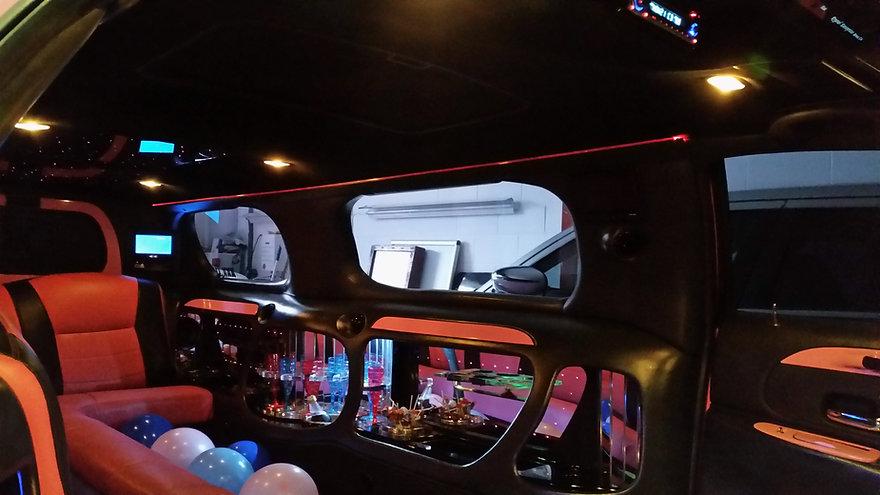 Limos,Limoz,streach ahead, limousine,limousines,limousinez,transport,style,shrewsbury