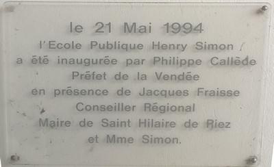 Plaque inauguration des écoles Henry Simon - Saint-Hialire-de-Riez, Vendée, France