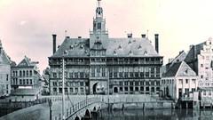Das Rathaus von Emden ähnelte dem von Antwerpen