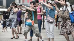 Japaner fragen sich, warum es in der Stadt so ruhig ist