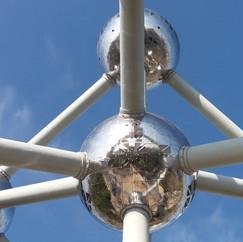Das Atomium, geniales Wahrzeichen einer Stadt und einer Epoche.