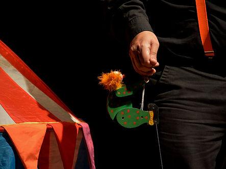 El Pequeño circo, colibrí (1) .jpg