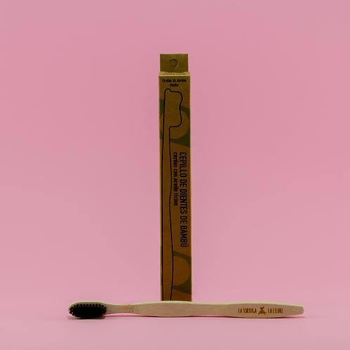 Cepillo de Dientes de bambú con cerdas (medias). Adultos -carbón activado