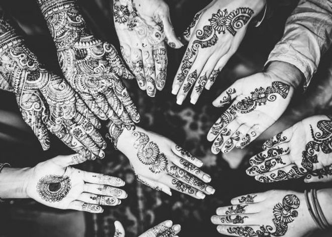 30-Latest-Full-Hand-Mehndi-Designs-To-Tr