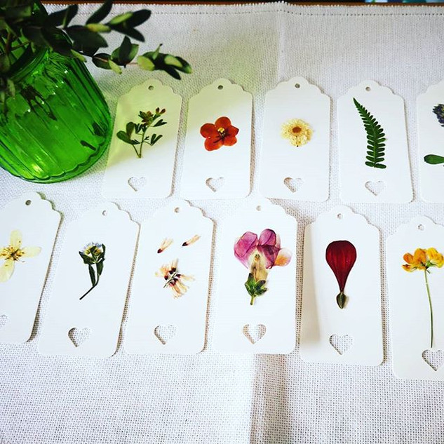 Floral paper tags