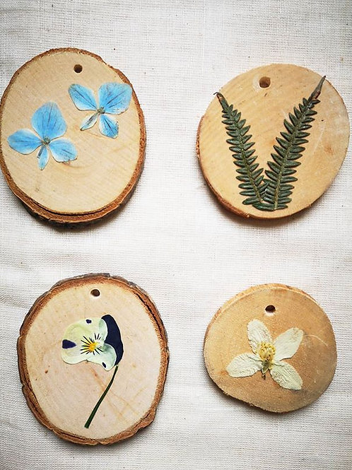 Wedding Favour - Floral Wooden Disc