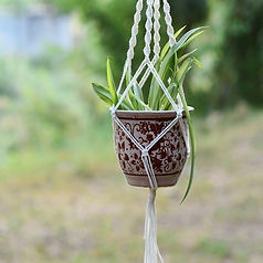 macrame plant hanger a.jpg