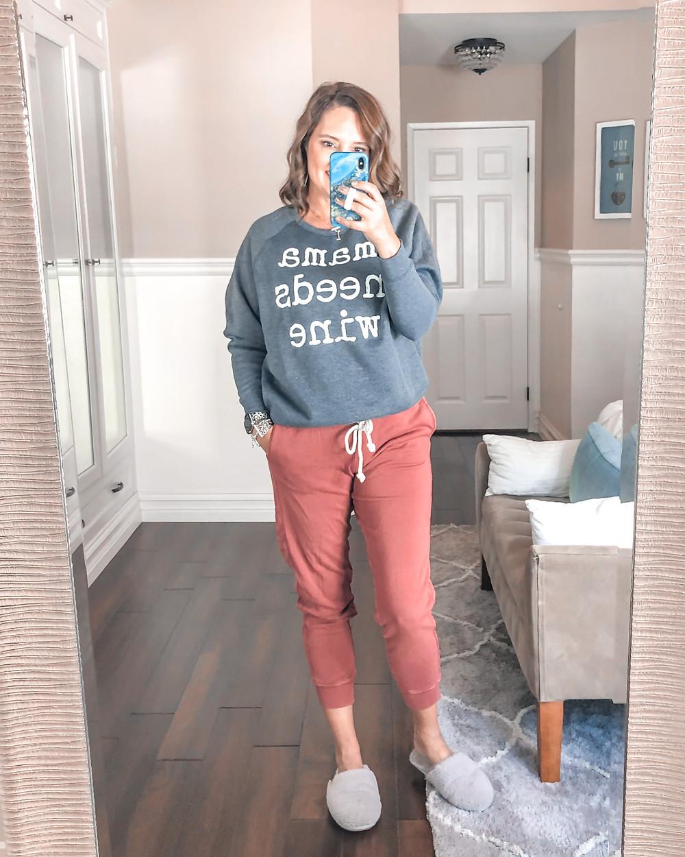 sweatshirt. mom life. mommy juice.